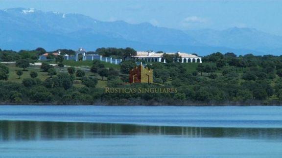 Cortijo de 20 hectáreas en Cáceres